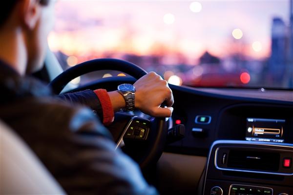 公安部:经过交通坦然考试或公好运动达标 驾照最众能减免6分