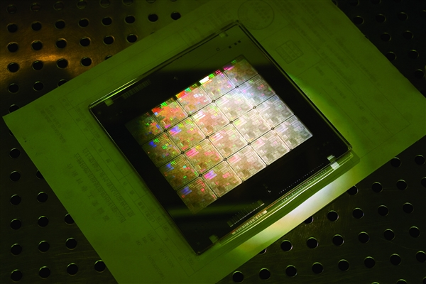 费城半导体指数周一大跌近5% 英伟达AMD跌幅超7%