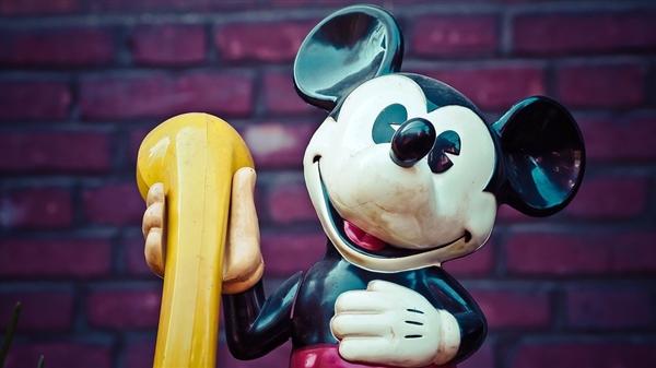 迪士尼宣布所有真人电影停拍:《花木兰》等大片延期