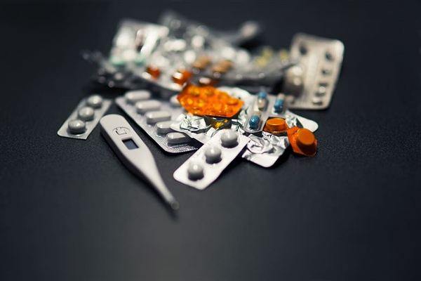 法匹拉韦国内获批上市 科技部:治疗新冠病毒临床很益