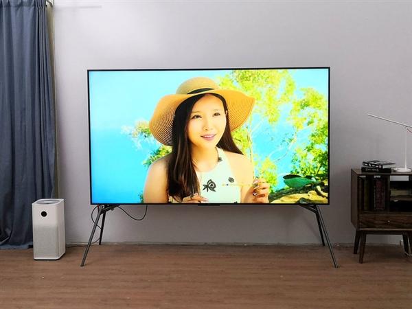 Redmi智能电视MAX 98英寸上手:亲平易近价格 坐在家中赏巨幕