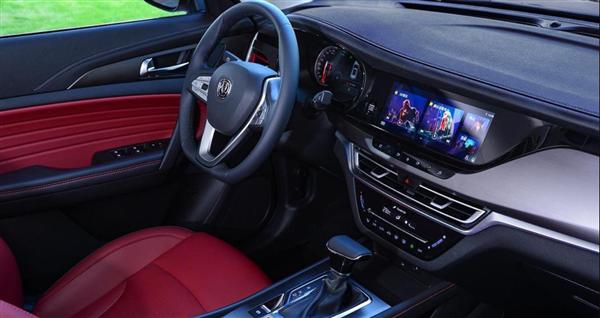 长安CS35 PLUS新增车型上市:搭蓝鲸1.4T增压机 售价8.89万