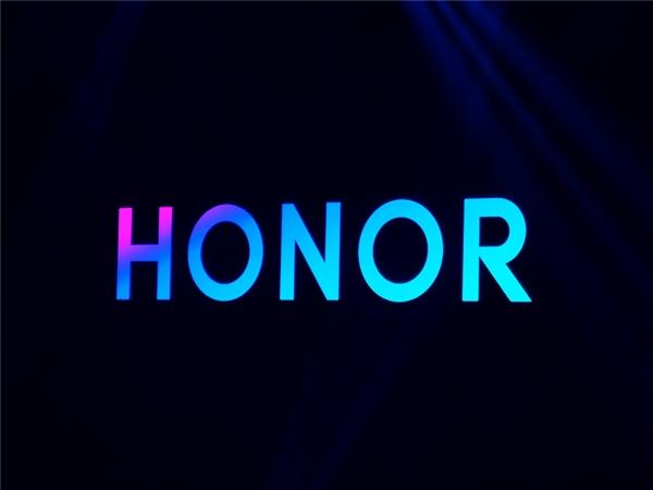 鑽h��30 Pro鐪熸満璋嶇収鍦伴搧鏇濆厜锛氬弻鎸栧瓟鏇查潰灞忋�佹敮鎸佸睆鍐呮寚绾�