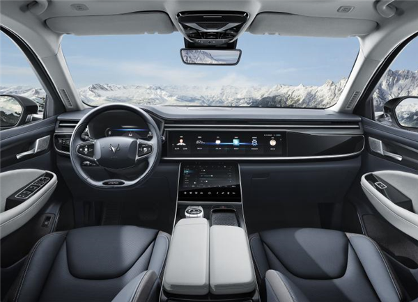 """首搭""""华为芯""""!北汽新能源崭新高端电动SUV下线:续航653km"""
