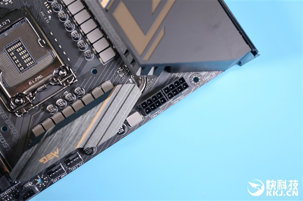 16相全数字供电 用料奢侈 微星MEG Z490 ACE图赏