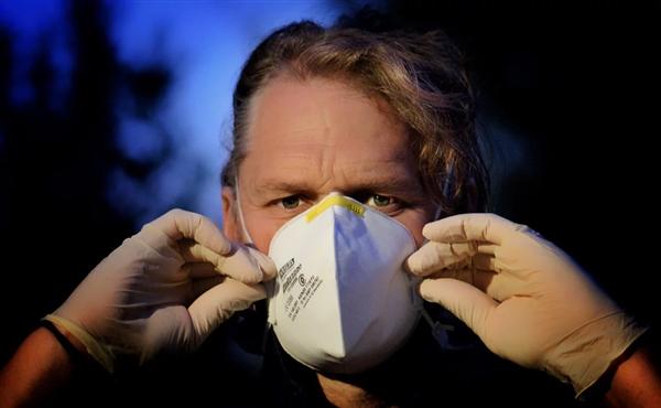 配戴高性能口罩强烈活动有众危险?行家:呼吸能力降低10%至20%