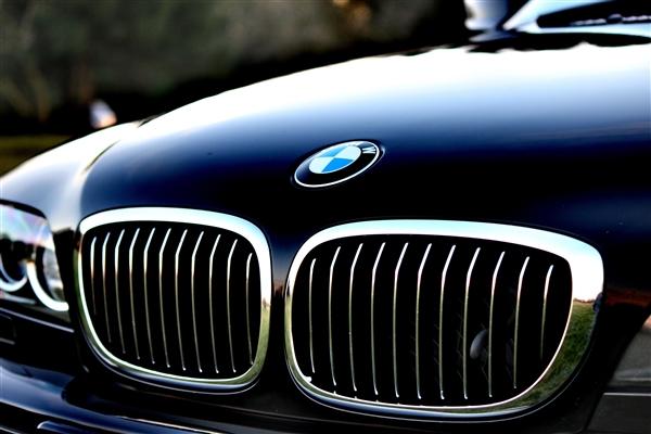 宝马新专利亮相:经历感知驾驶员气味检测疲劳驾驶