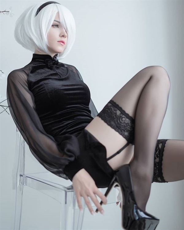 俄妹COS《FF7RE》蒂法 性感与帅气兼顾的女神