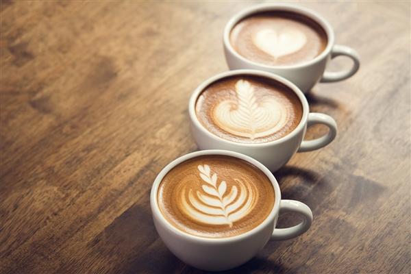 """明日停牌!全国共有3856家""""瑞幸咖啡"""""""