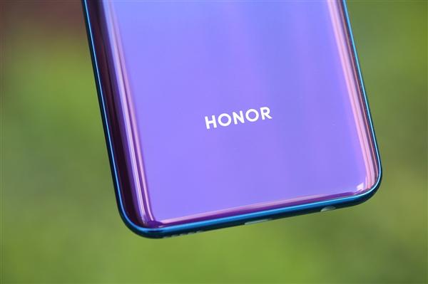 荣耀老熊科普:5G大屏手机为什么能比4G手机还省电?