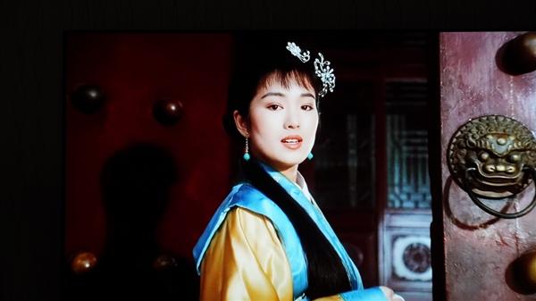 画质惊了!幼米电视行家系列画面实拍:27年前周星驰电影就像今年上映的