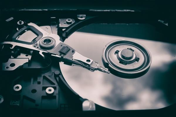 5000元首 西数18TB企业级硬盘上市:9碟装 不含SMR