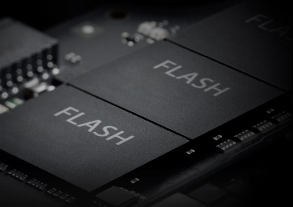 长江存储添速128层QLC闪存量产 国产设备已占14%