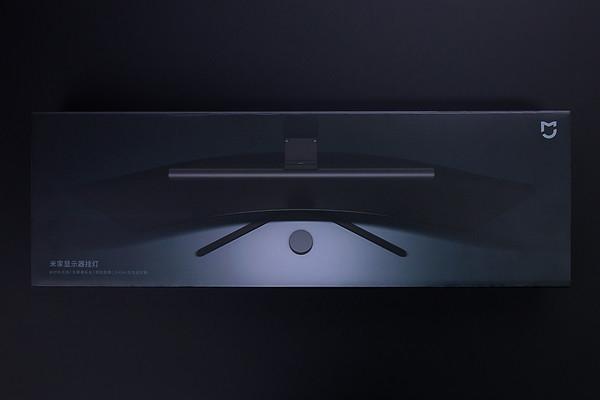 169元真香灯!幼米米家表现器挂灯体验:不占桌面空间无眩光、磁吸旋转