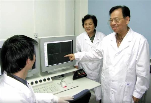 又一院士陨落!曾别离出中国第一株艾滋病病毒