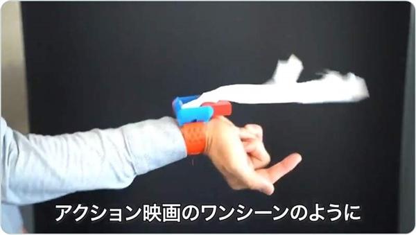 日本网友自制购物袋弹射装配 像蜘蛛侠相通喷出塑料袋