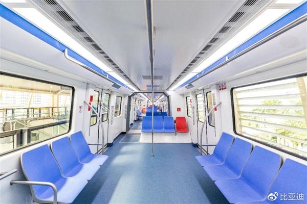 全球首条跨海云轨正式下线 比亚迪成中国首家轨道出海民营企业