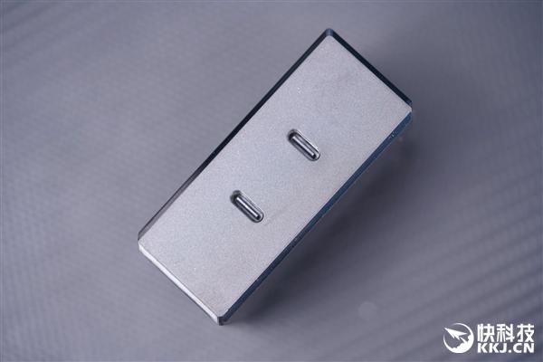 正面完全无打孔!联想拯救者电竞手机2 Pro图赏