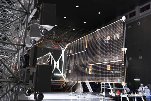 300平方米可控翼伞:长三乙火箭助推器精准受控降落