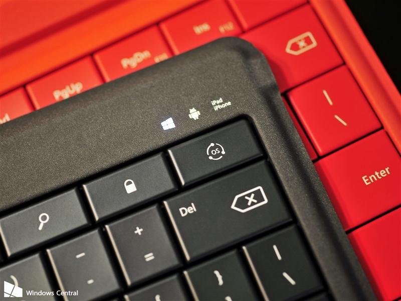 微软可折叠蓝牙键盘评测:5mm超薄手感不赖的照片 - 9