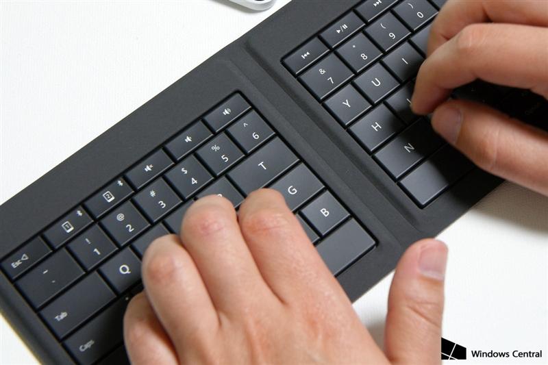 微软可折叠蓝牙键盘评测:5mm超薄手感不赖的照片 - 4