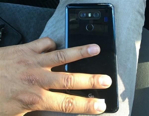 5200元!LG G6官图曝光:18:9全视角屏 外形惊艳