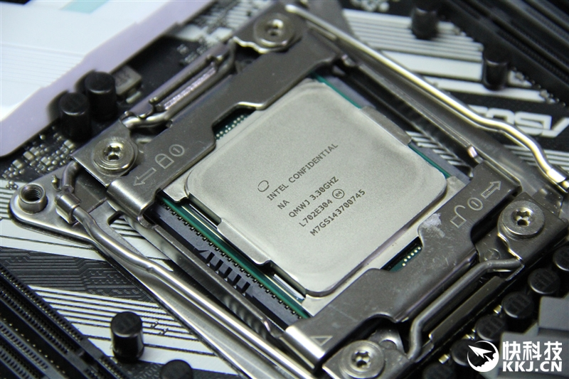 农村批i!9il��)�.�_10核心只是个开始:intel core i9-7900x评测