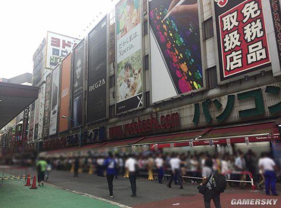復刻版超任主機在日本遭瘋搶 門店排長隊望不到頭