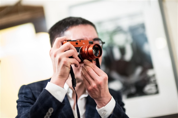 5万起步价!徕卡大红限量版M Typ 262相机正式发布