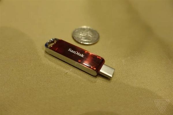 全球最小!閃迪展示1TB USB-C U盤:手機絕配