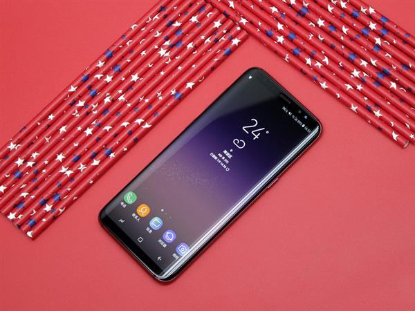 三星Galaxy S轻奢版上手:性能均衡 颜值/手感绝佳