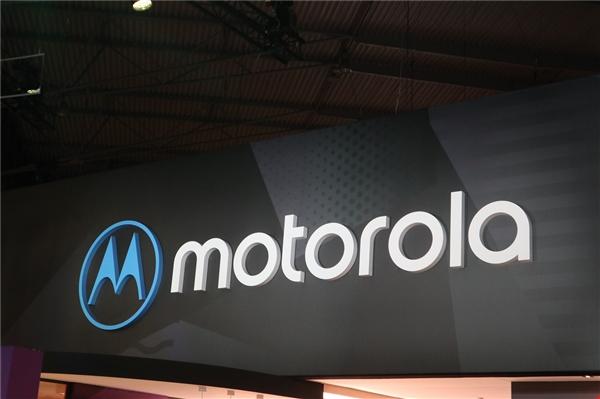 1100元 摩托罗拉推出Moto E5 Plus:骁龙430搭配3G运存