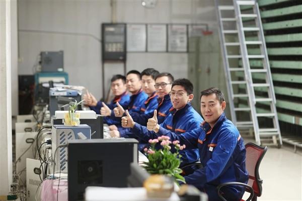 中國聯通更換全新工裝:小姐姐高顏值秀