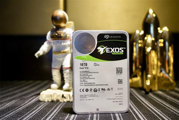 希捷发布首款16TB 3.5寸氦气硬盘银河X16:刷新单盘容量纪录