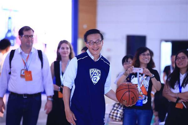 外媒:阿里巴巴蔡崇信拟以23.5亿美元收购剩余51%篮网股权