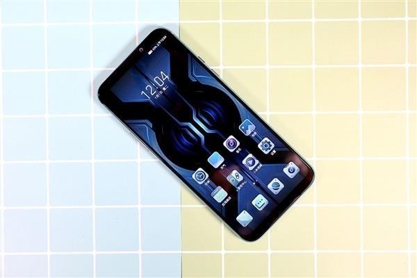 黑鲨游戏手机2 Pro今日再次开售:全系标配12G内存