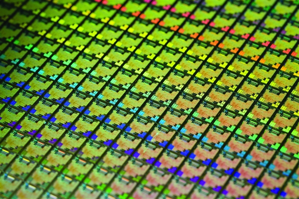 华为:与Intel是竞合关系 未来会同时发展x86、鲲鹏和昇腾
