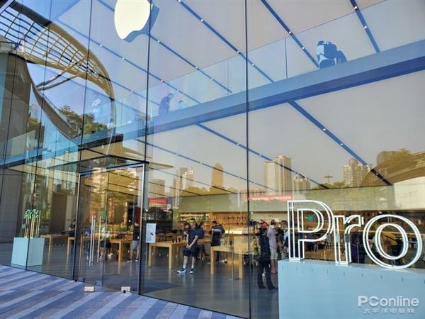 iPhone 11系列首发现场直击:新机虽香 库克却慌?