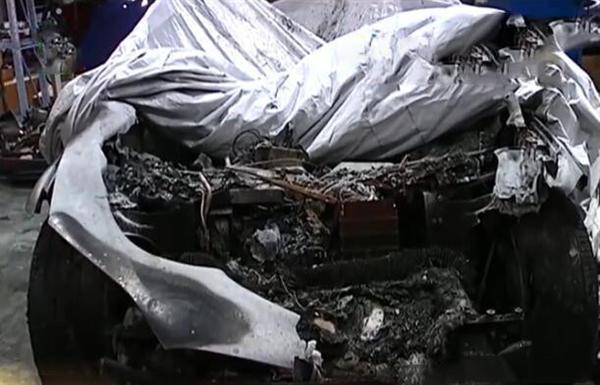 特斯拉维修厂内起火 13辆车无辜遭殃 车主维权无门
