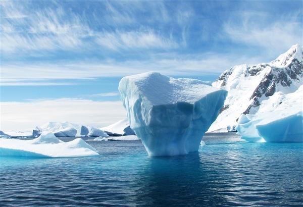 北极海冰最低纪录并列第二低:或将无冰