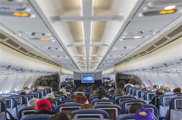 美国联邦航空治理局:经济舱座位变小或危害安全