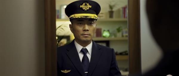 《中国机长》票房正式突破10亿大关:中国影史第70部破10亿影片
