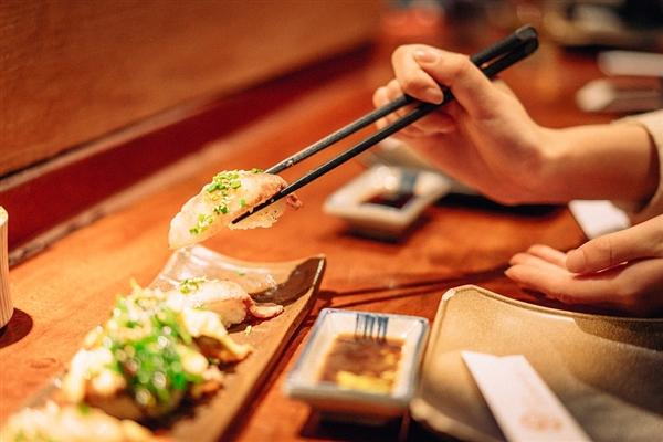研究:人吃饱饭后可改变形状的脑细胞