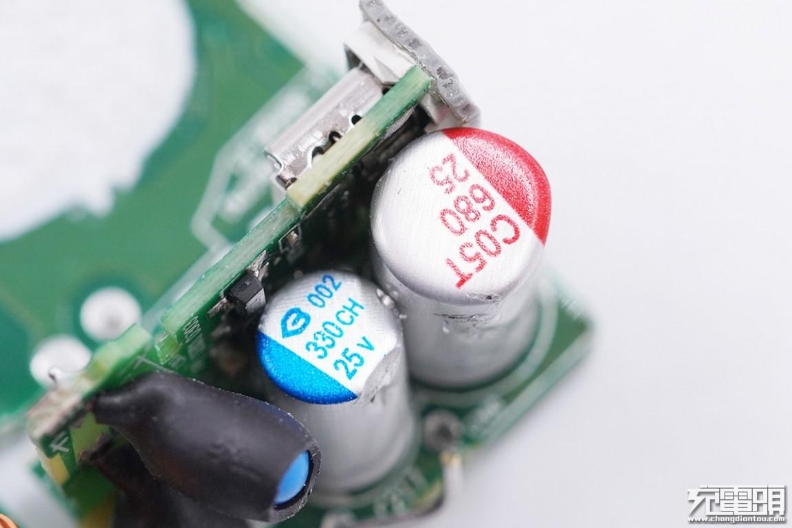 次级干扰芯片_华为新一代65W充电器拆解:用料不一般-华为,65W,充电器,拆解 ...