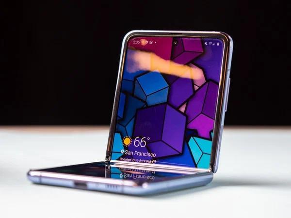小米开发量产可折叠手机:上下折叠 类似Galaxy Z Flip