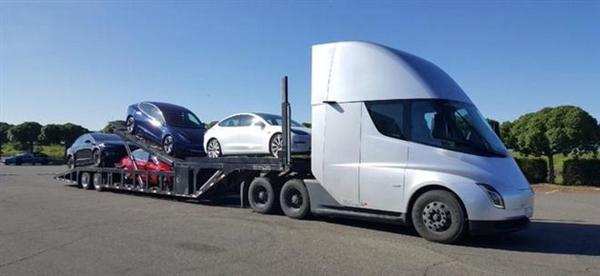 5秒破百 续航近千公里!特斯拉卡车Semi已开始上路运输