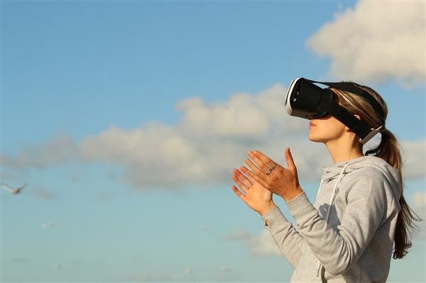 首发骁龙XR2!Oculus Quest 2发布:迄今最沉浸VR