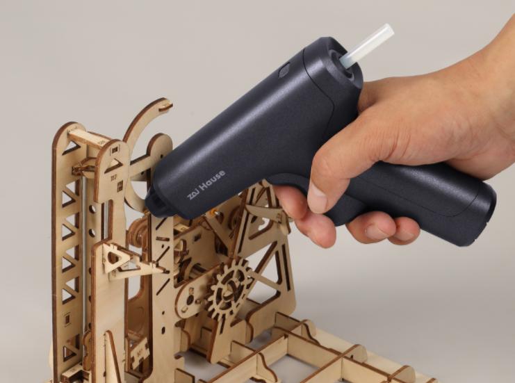 [小米有品][99元]众筹居家工具组合:含熔胶枪、电动螺丝刀