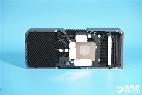 3899元真香卡!NVIDIA RTX 3070显卡拆解图赏