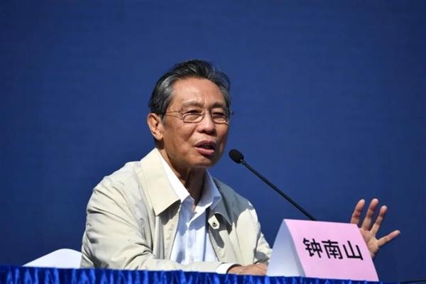 钟南山:河北因强力干预避免了12万人感染